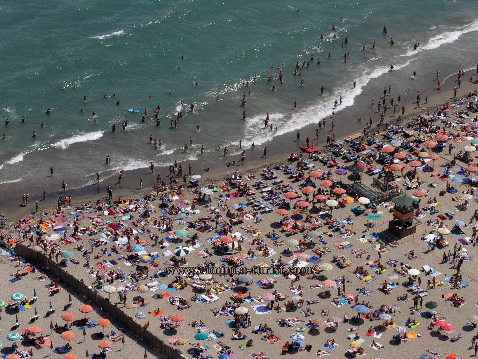Free Beach In Rimini Italy